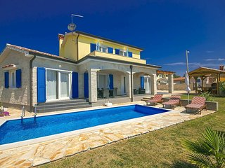 3 bedroom Villa in Poreč, Istarska Županija, Croatia : ref 5426355