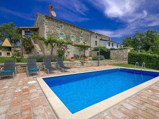 3 bedroom Villa in Grožnjan, Istarska Županija, Croatia : ref 5426323