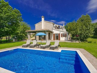 3 bedroom Villa with Pool, Air Con and WiFi - 5426319
