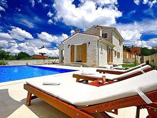 3 bedroom Villa in Tinjan, Istarska Županija, Croatia : ref 5426300