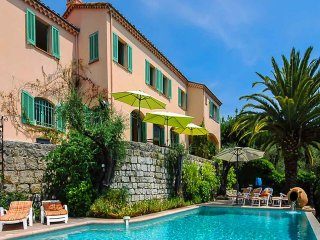 4 bedroom Villa in Grasse, Provence-Alpes-Côte d'Azur, France : ref 5401909