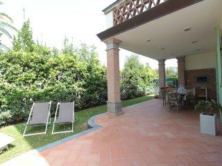 4 bedroom Villa in Forte dei Marmi, Tuscany, Italy : ref 5393838