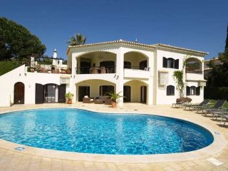 4 bedroom Villa in Vale do Lobo, Faro, Portugal : ref 5385650
