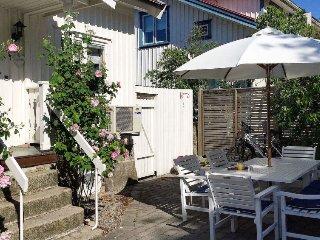 3 bedroom Villa in Grebbestad, Västra Götaland, Sweden : ref 5365013