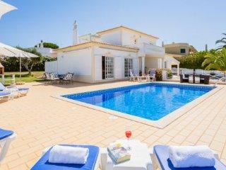 3 bedroom Villa in Praia do Carvoeiro, Faro, Portugal : ref 5345642