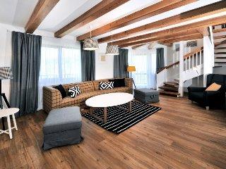 4 bedroom Apartment in Tatranská Lomnica, Presov, Slovakia : ref 5343967
