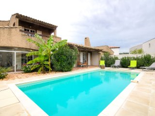 4 bedroom Villa in Morieres-les-Avignon, Provence-Alpes-Cote d'Azur, France : re