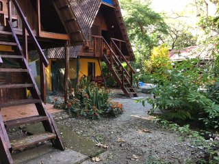 Cabina 2 - The Howler Monkey Hotel
