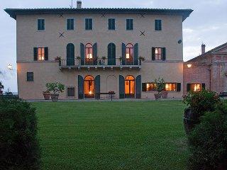 7 bedroom Villa in Monteroni d'Arbia, Tuscany, Italy : ref 5313684