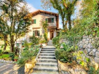 5 bedroom Villa in Sant'Agata sui Due Golfi, Campania, Italy : ref 5313009