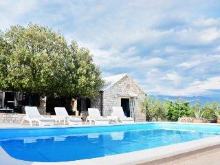 2 bedroom Villa in Pucisca, Splitsko-Dalmatinska Zupanija, Croatia : ref 5312986