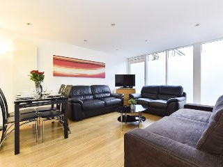 2 bedroom Apartment in City of London, England, United Kingdom : ref 5312089