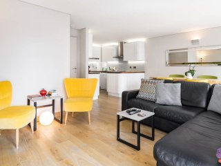 Modern 1 bed Flat Overlooking Regent's Canal