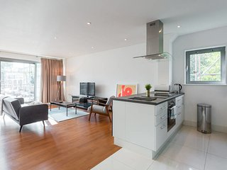 Contemporary 2 bed flat in the heart of Islington