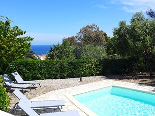 4 bedroom Villa in Saint-Aygulf, Provence-Alpes-Cote d'Azur, France : ref 531132