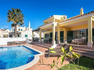 3 bedroom Villa in Praia do Carvoeiro, Faro, Portugal : ref 5311104