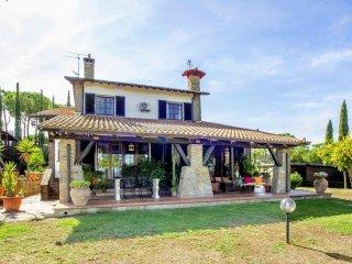 6 bedroom Villa in Macchiascandona, Tuscany, Italy : ref 5311076