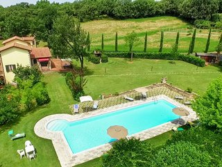 7 bedroom Villa in Petriolo, Umbria, Italy : ref 5310568