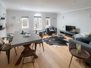 Sumptuous 4 bed / 3 bath house in Notting Hill