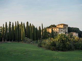 11 bedroom Villa in Buonconvento, Tuscany, Italy : ref 5218577