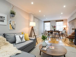 Chic 2 bed house in Marylebone - 1 min from tube