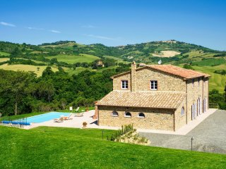 6 bedroom Villa in Villa Barone, Tuscany, Italy : ref 5269740