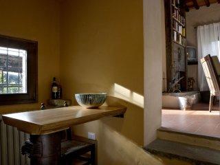 4 bedroom Villa in Vellano, Tuscany, Italy : ref 5251996