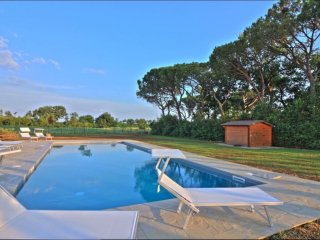 8 bedroom Villa in Ranco di Frassineto, Tuscany, Italy : ref 5251981