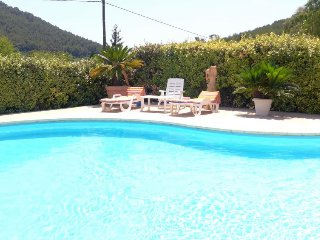 4 bedroom Villa in Carqueiranne, Provence-Alpes-Côte d'Azur, France : ref 525154