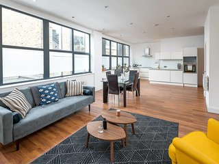 Contemporary 2 bed flat, Highbury and Islington