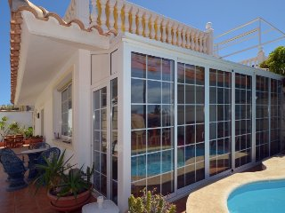 3 bedroom Villa with Air Con, WiFi and Walk to Beach & Shops - 5697764
