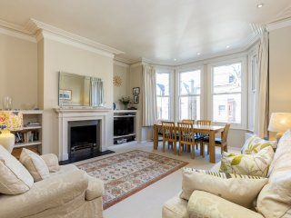 2 bed Victorian apartment near Hampstead