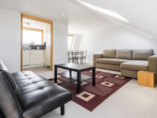 Lovely 1 bed/bath flat in Fulham!