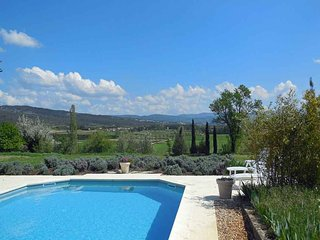 2 bedroom Villa in Gordes, Provence-Alpes-Côte d'Azur, France : ref 5247280