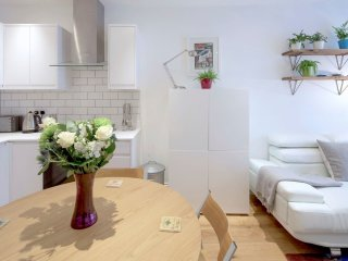 Luxury 2 Bed 2 Bath Flat Fulham, Central London