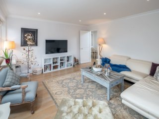 Beautiful Spacious 3 bed 2 bath in Earl's Court