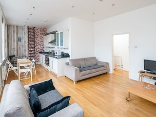 Trendy 1 bed 1 bath sleeps 4 in Shoreditch