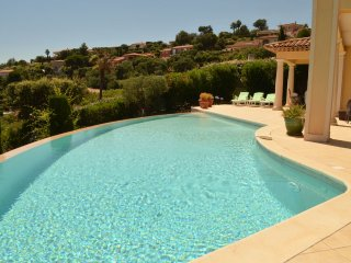 4 bedroom Villa in Sainte-Maxime, Provence-Alpes-Côte d'Azur, France : ref 52470