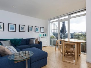 2 bed Penthouse apartment in Paddington