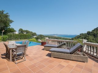 Begur Villa Sleeps 8 with Pool and WiFi - 5802309