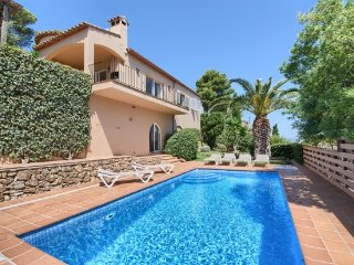 Begur Villa Sleeps 6 with Pool and WiFi - 5246705