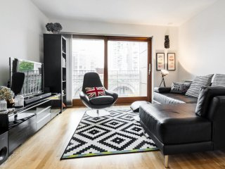 Modern 2bed, 2bath apartment near London Bridge