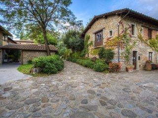 2 bedroom Apartment in Poppi, Tuscany, Italy : ref 5242118