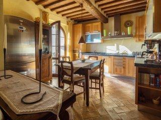 2 bedroom Apartment in Asciano, Tuscany, Italy : ref 5242081
