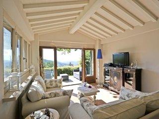 3 bedroom Villa in Cortona, Tuscany, Italy : ref 5241817