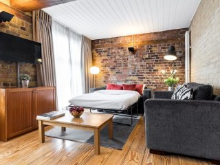 Unique 2bed 2bath loft-style apt in London Bridge