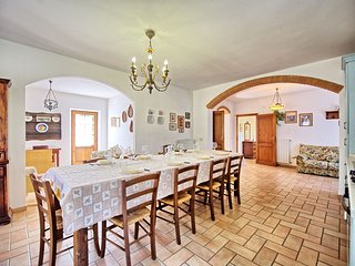 5 bedroom Villa in Pignano, Tuscany, Italy : ref 5241472