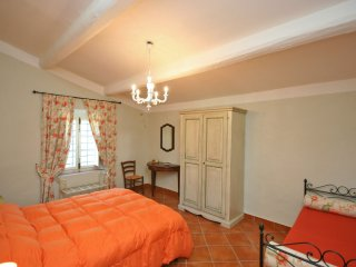 1 bedroom Apartment in Madonna di Pietracupa, Tuscany, Italy : ref 5241448