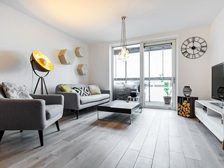 Stunning Trendy East London 3 bed 2 Bath Apartment