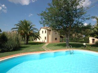 Bibbona Villa Sleeps 6 with Pool and WiFi - 5241218